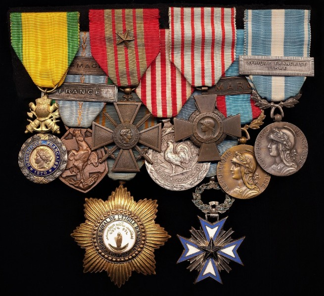 A most impressive French multi-decoration colonial service medal group of 9 x medals, including Second World War, and post War colonial campaigns in Africa